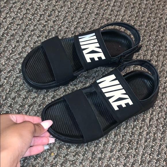 nike tanjun sandals on feet - Entrega gratis -